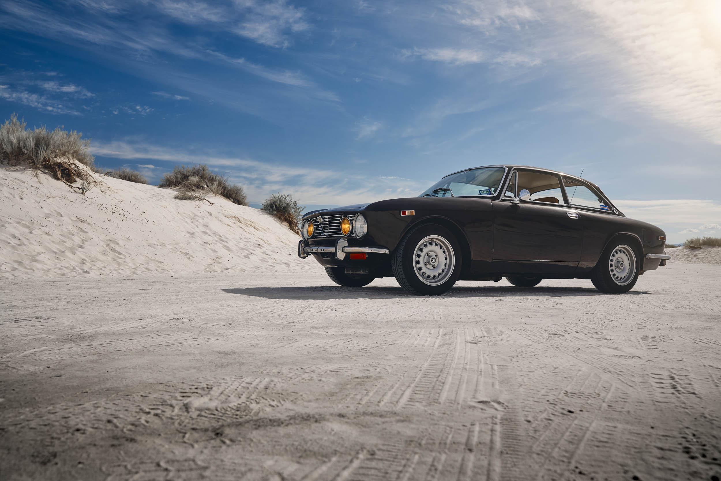 Alfa Romeo GTV in the desert