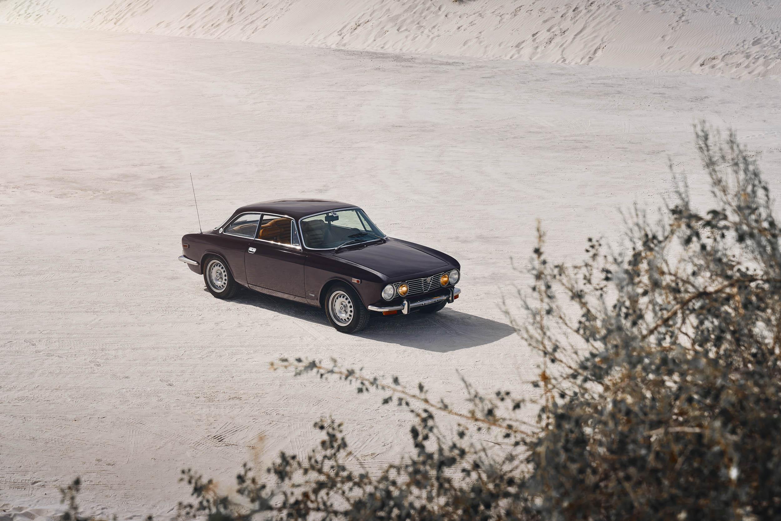 Alfa Romeo GTV overhead