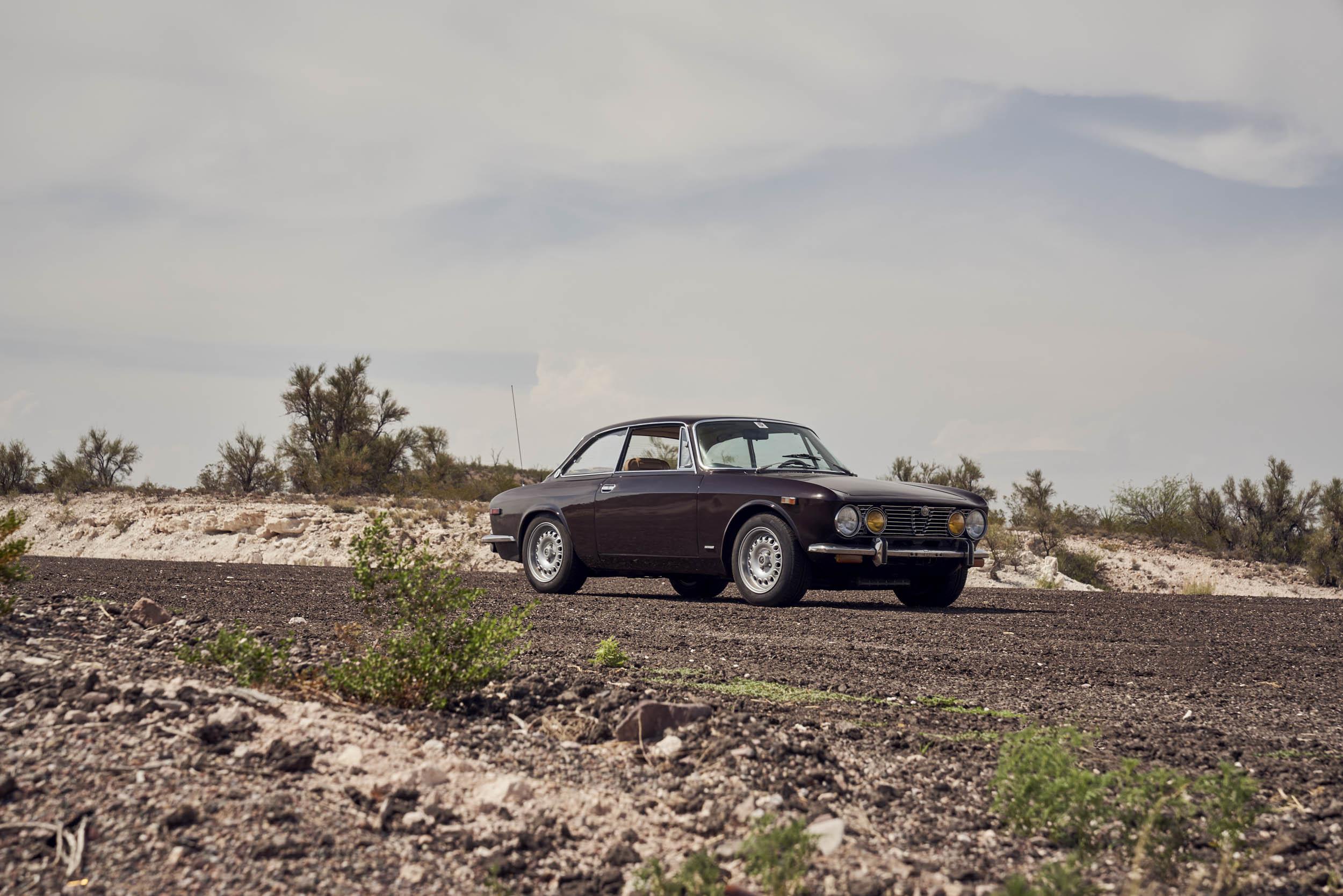 1974 Alfa Romeo GTV 2000 front 3/4