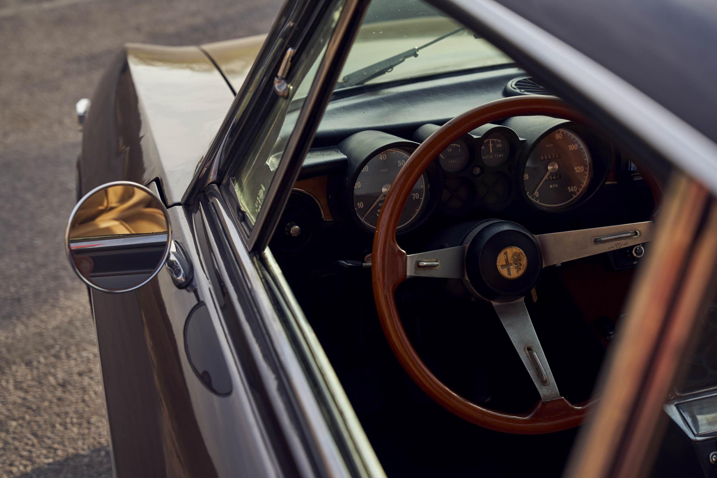 1974 Alfa Romeo GTV 2000 steeringwheel