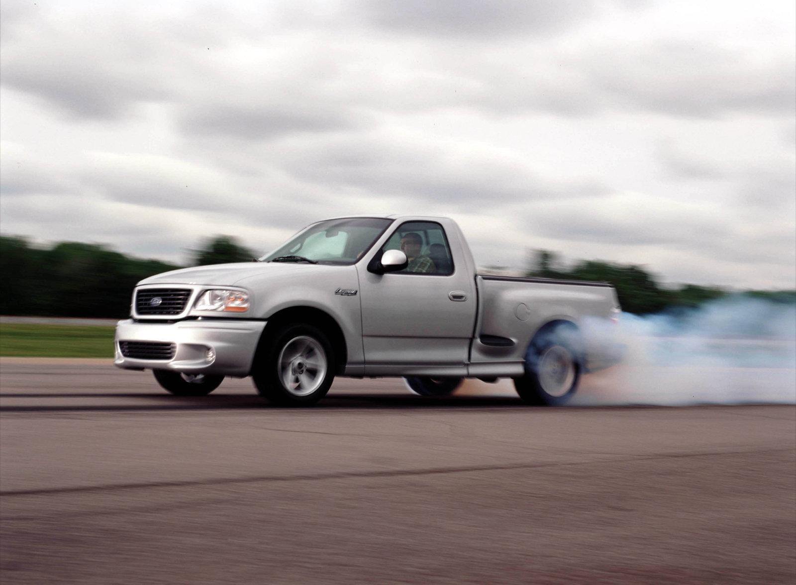 2004 Ford F150 SVT Lightning burnout