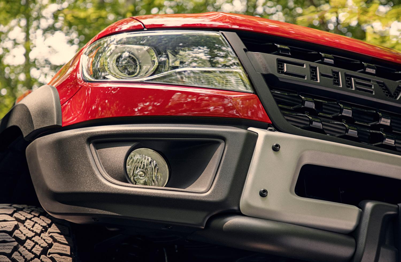 2019 Chevrolet Colorado ZR2 Bison detail headlight