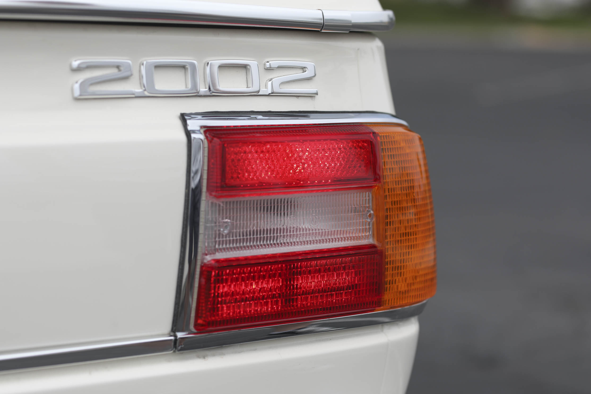 1975 BMW 2002 badge tail light detail