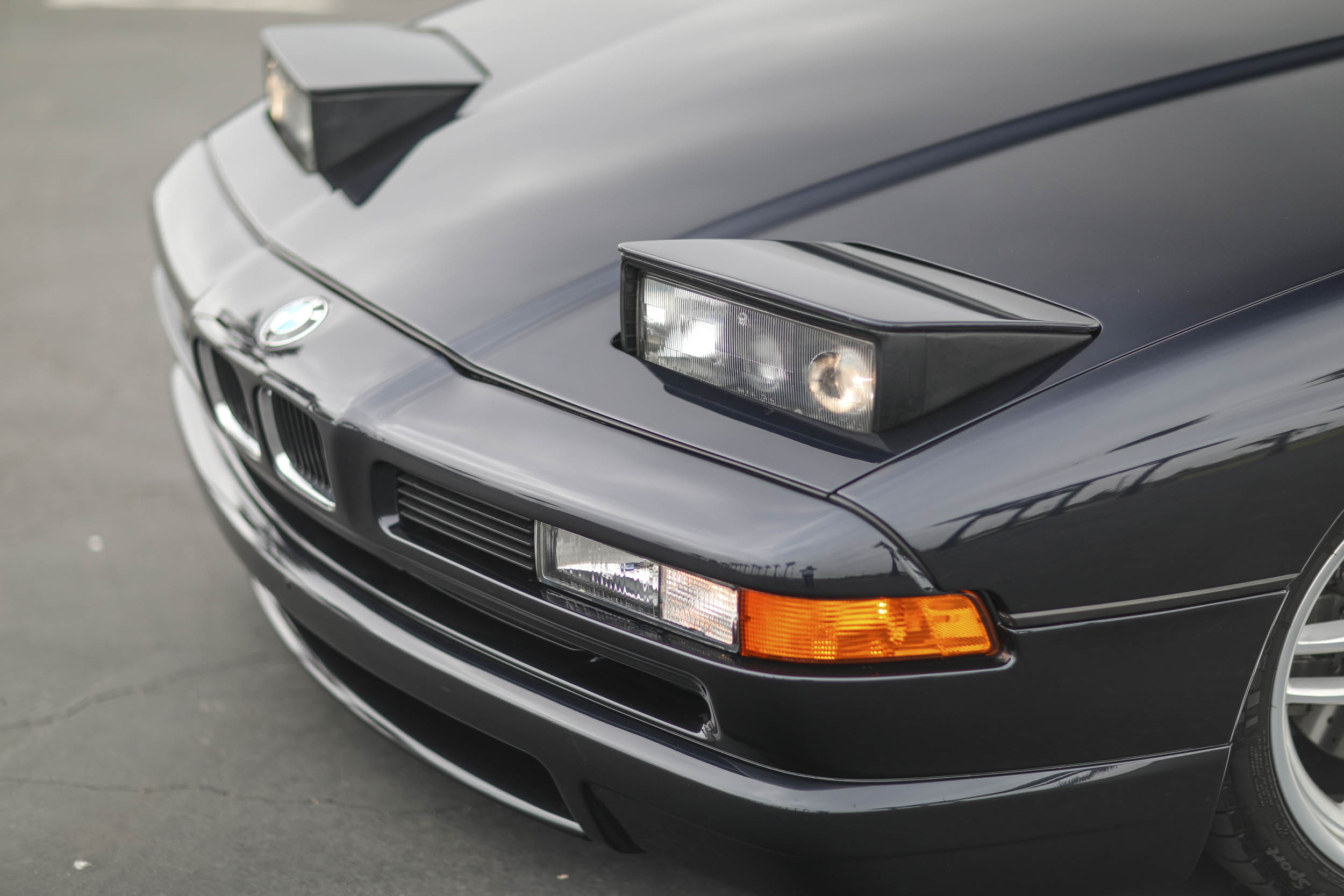 1993 BMW 850Ci headlight detail