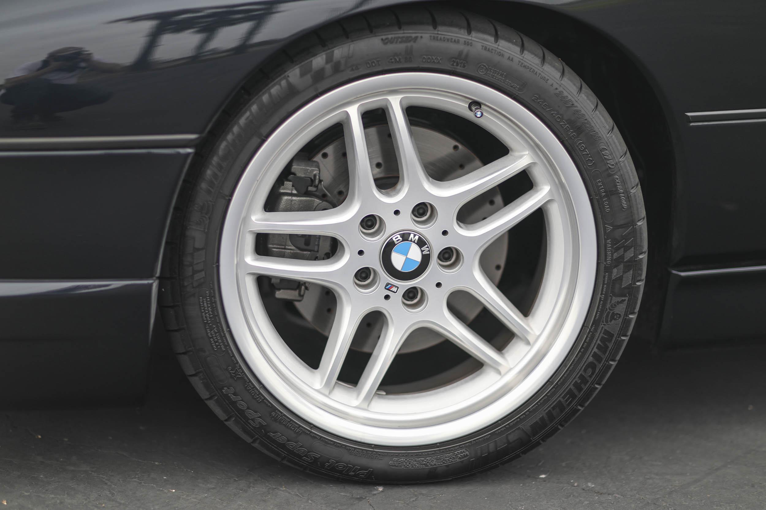 1993 BMW 850Ci wheel detail