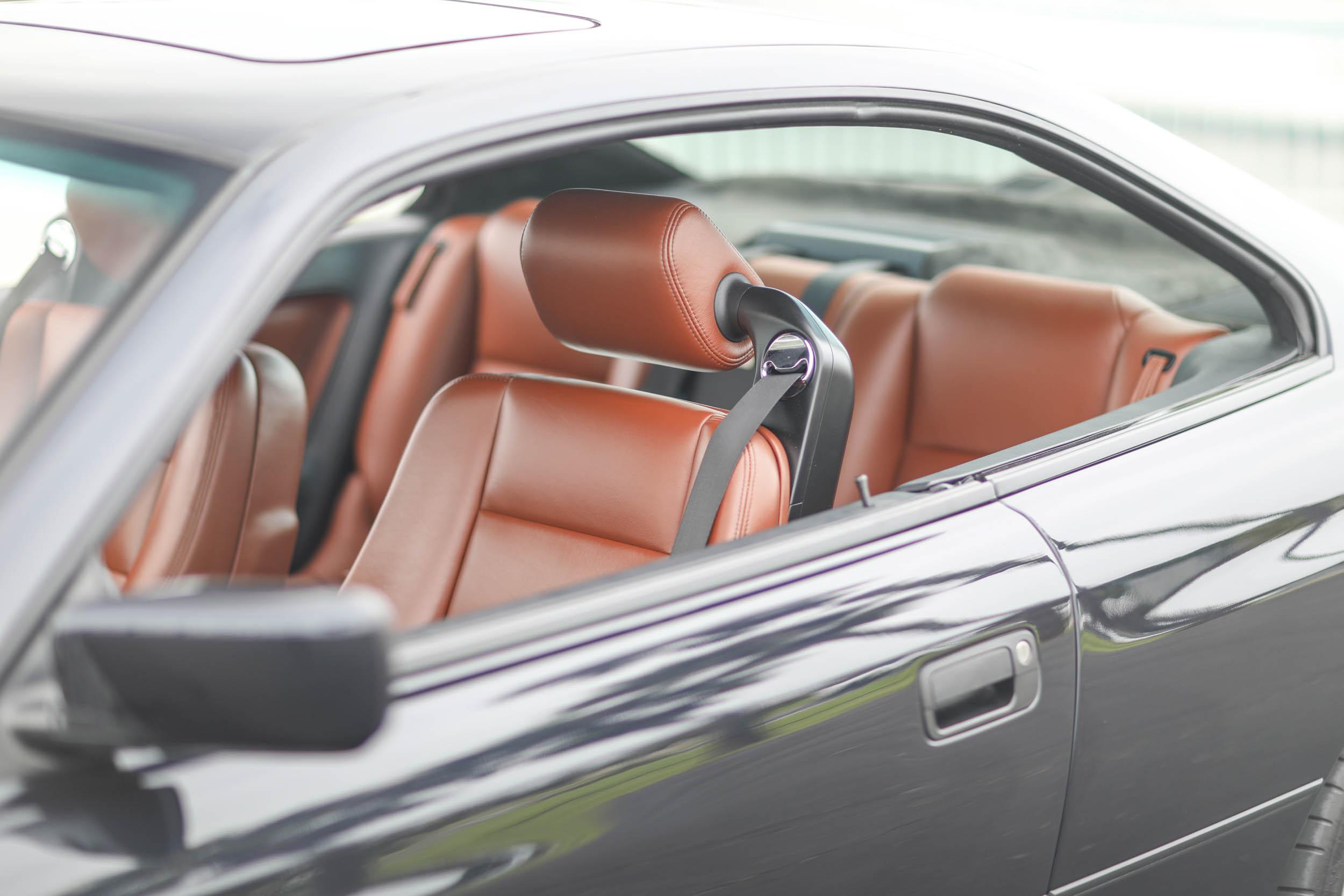 1993 BMW 850Ci interior