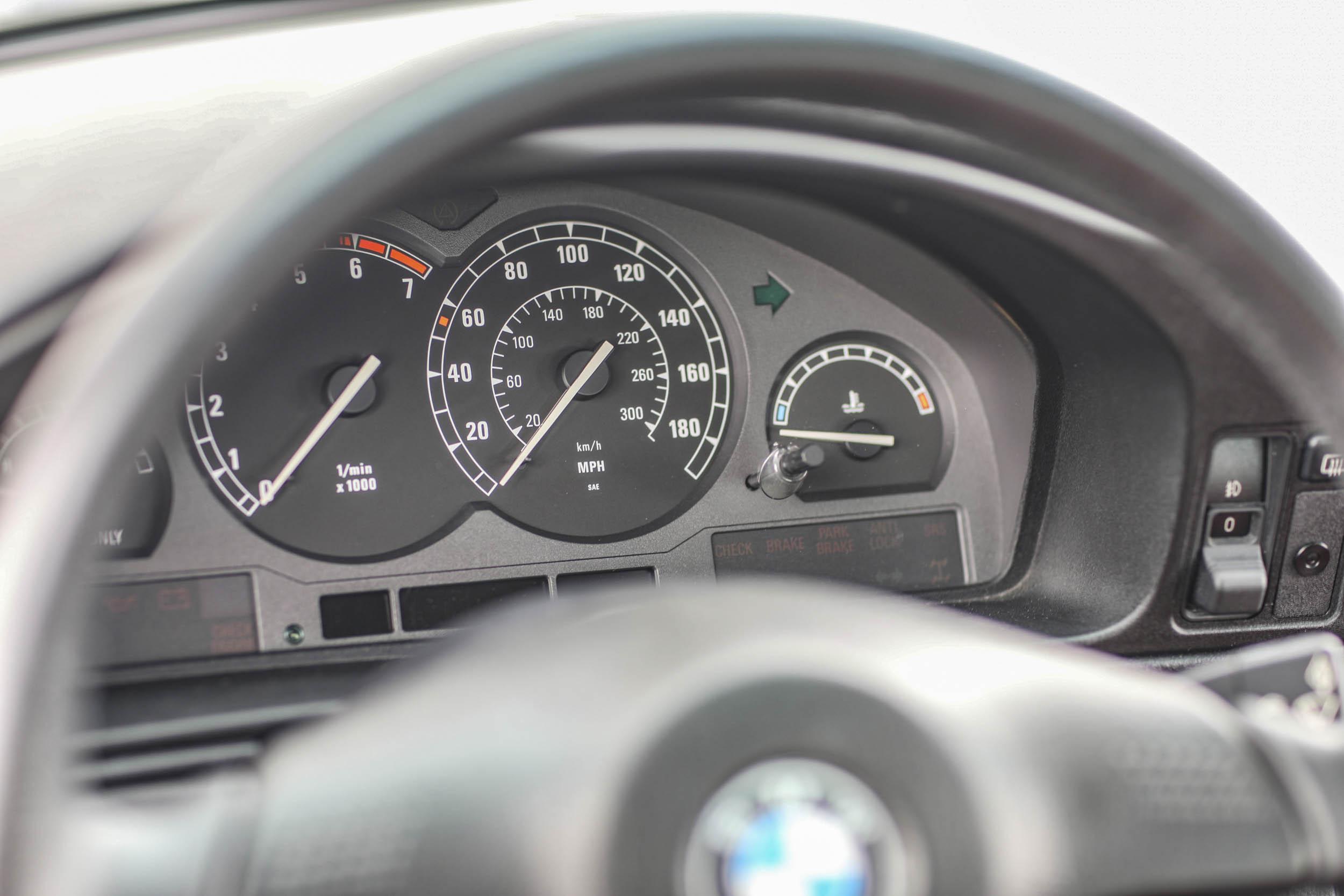 1993 BMW 850Ci guage cluster