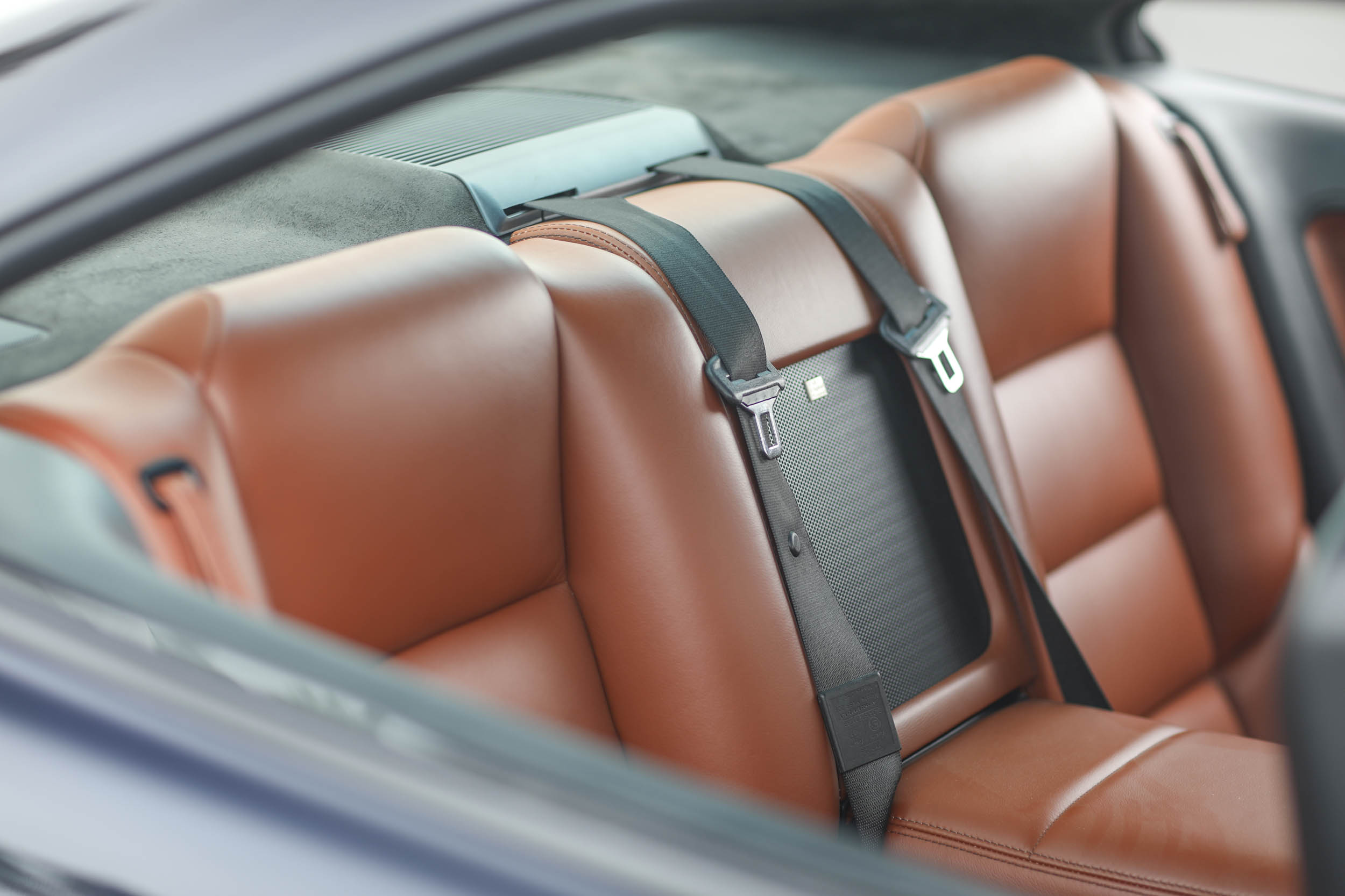 1993 BMW 850Ci back seat