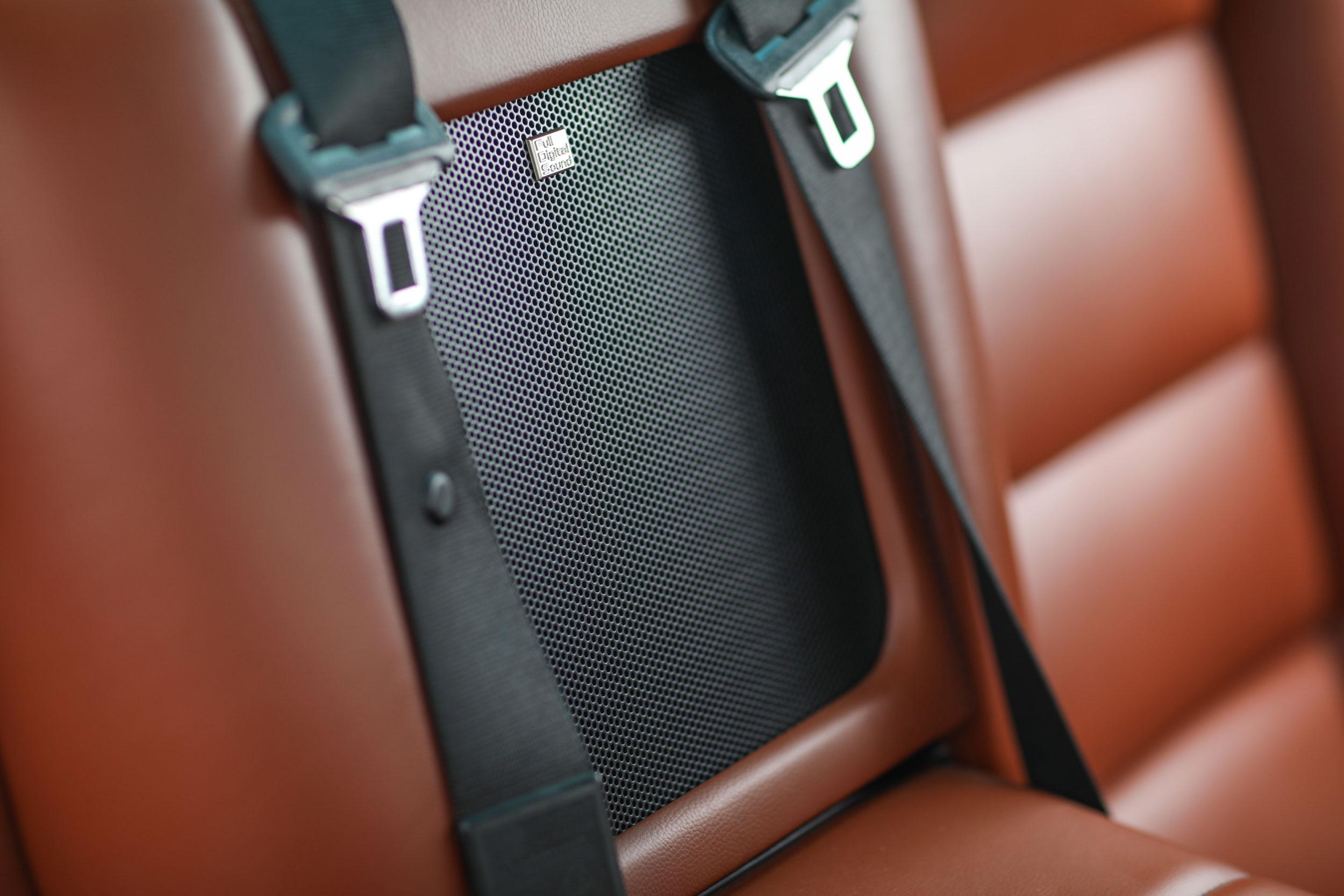Speaker in BMW 850Ci