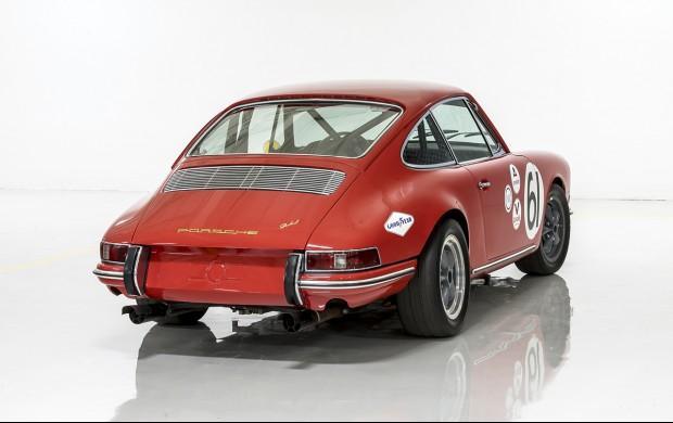 1965 Porsche 911 red