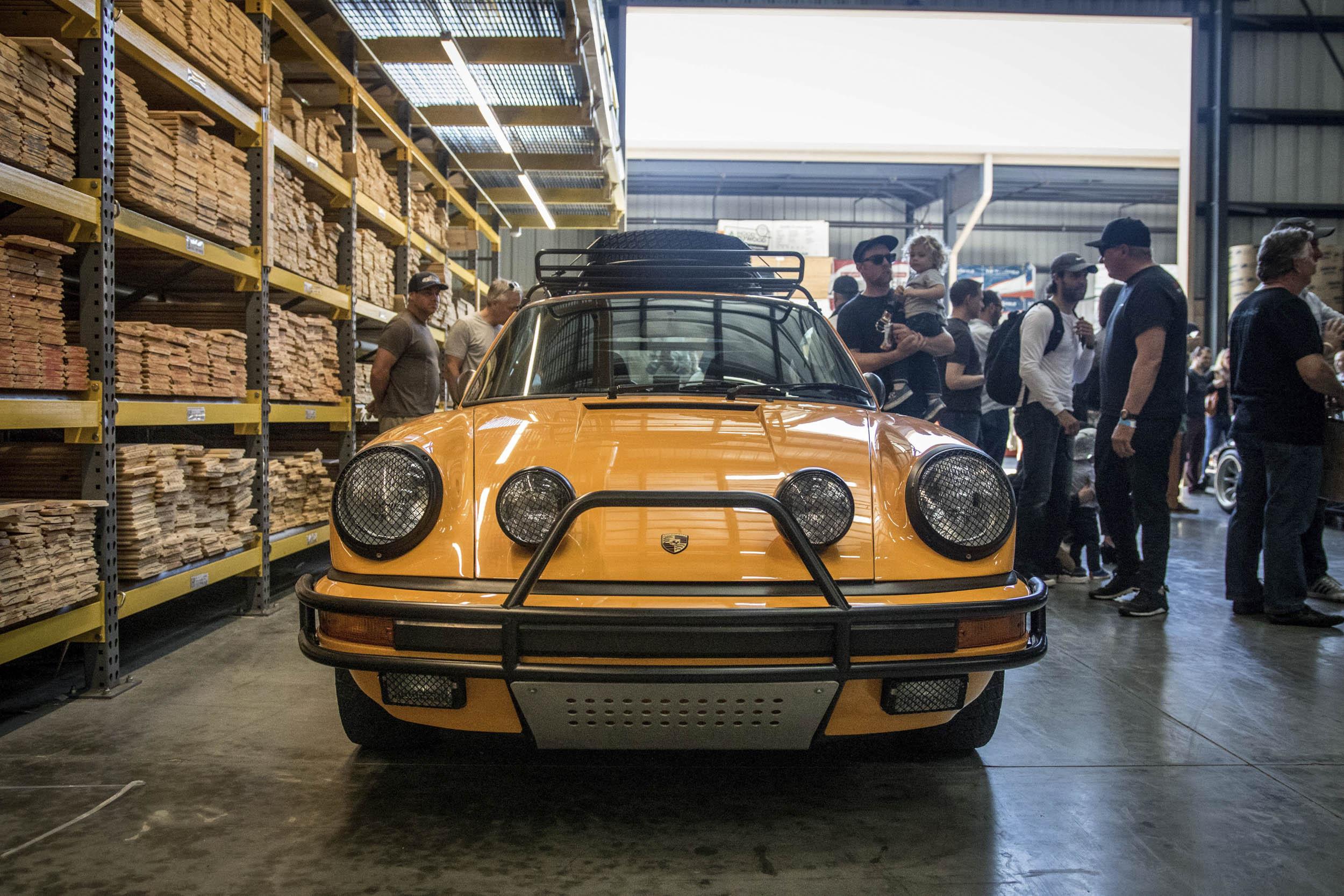 Porsche Safari 911 at Luftgekühlt front