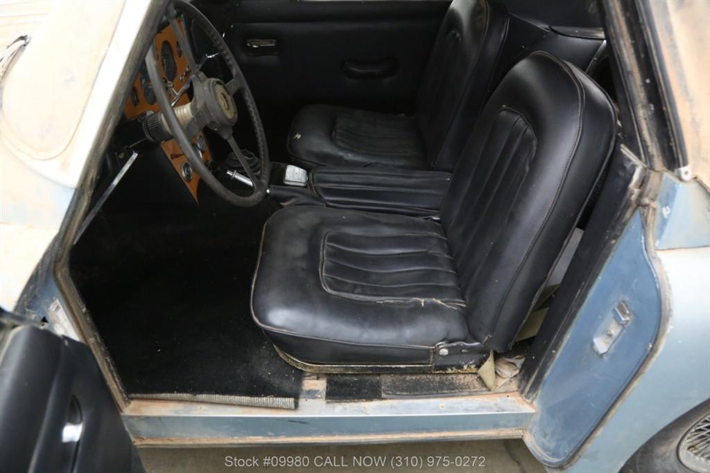 1961 Jaguar XK150 seats