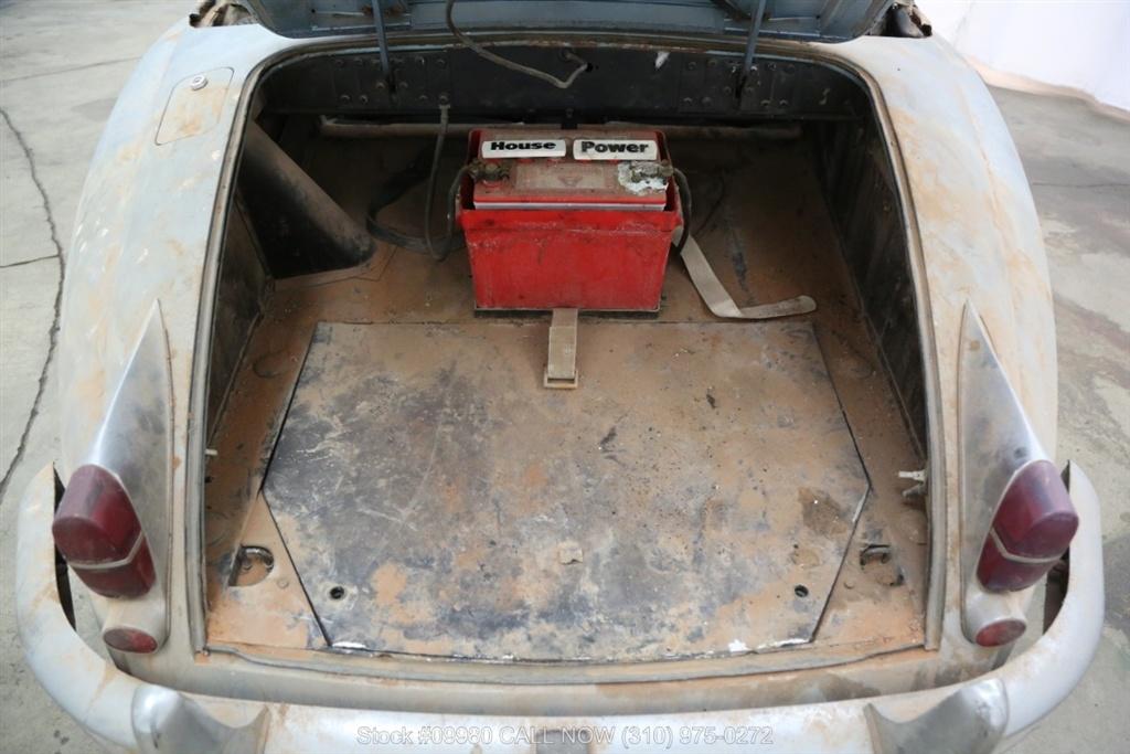 1961 Jaguar XK150 trunk