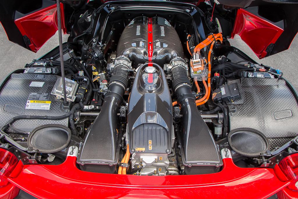 2015 Ferrari LaFerrari engine
