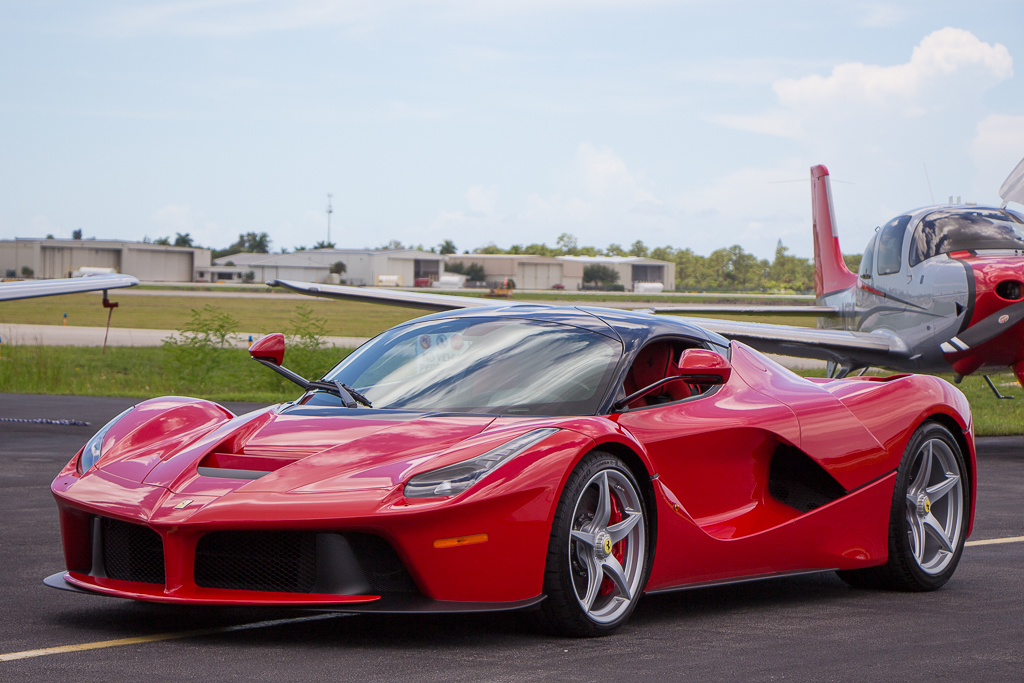 2015 Ferrari LaFerrari 3/4 front