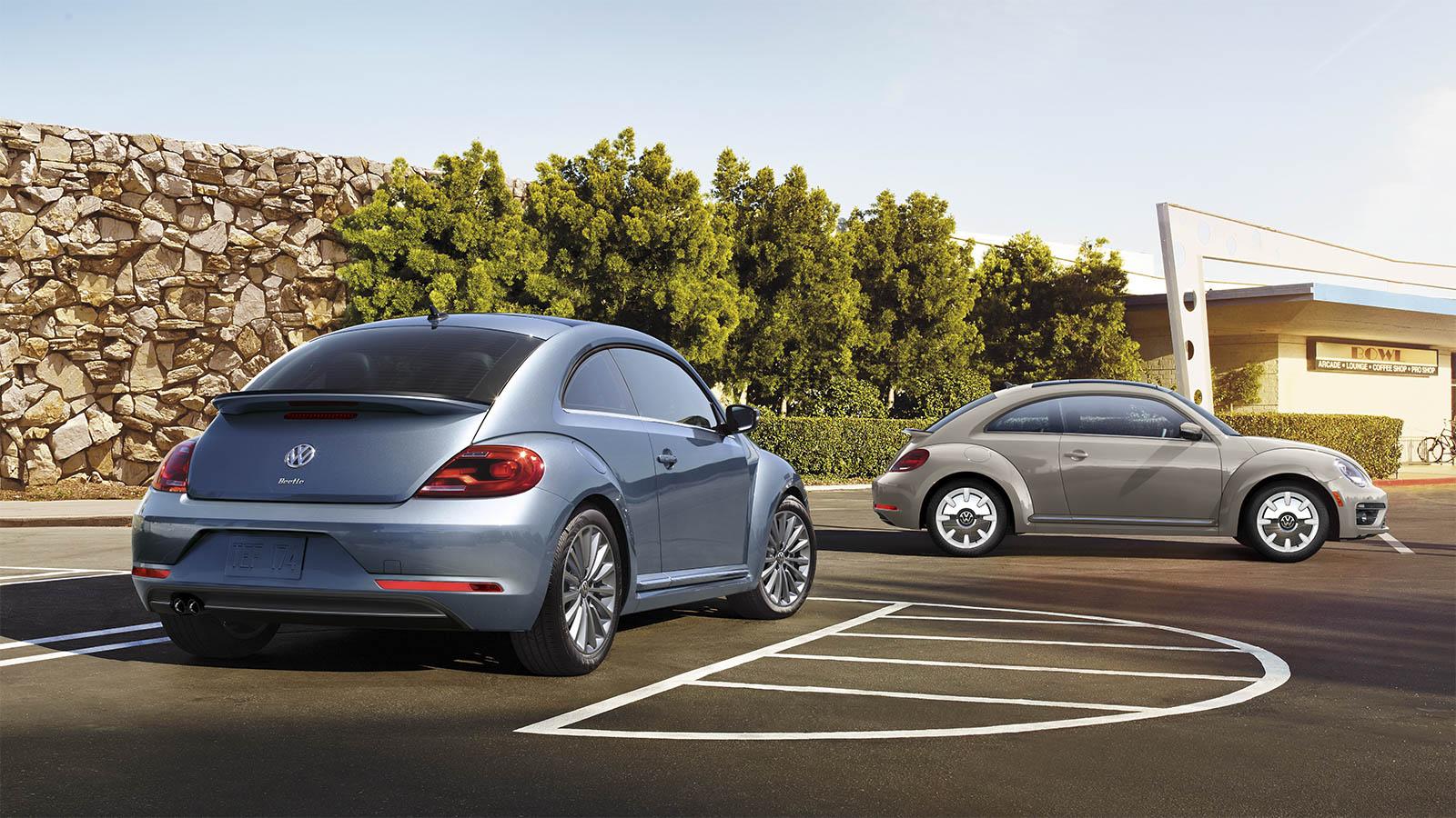 2019 Volkswagen Beetle Convertible rear 3/4