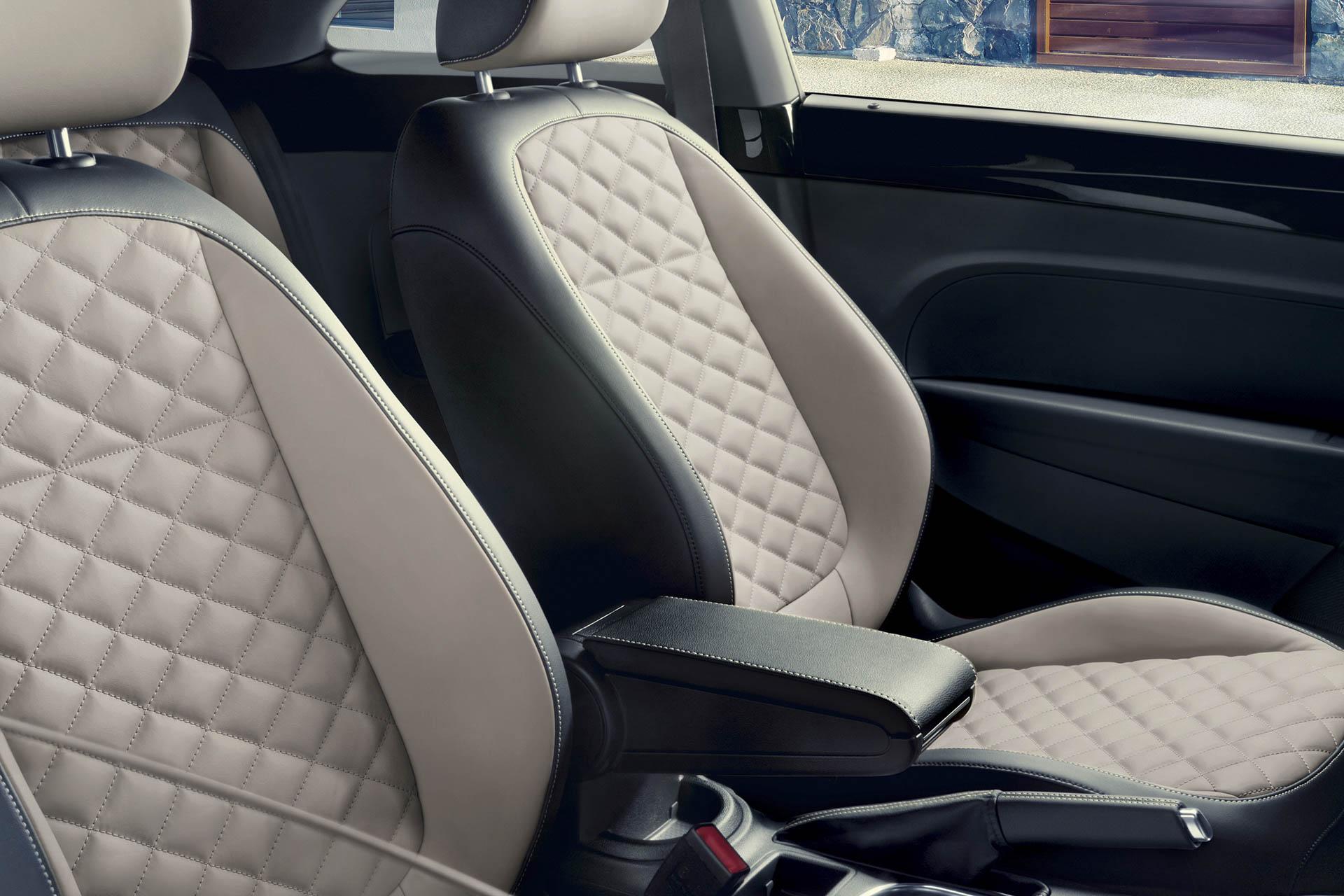 2019 Volkswagen Beetle Convertible seat detail