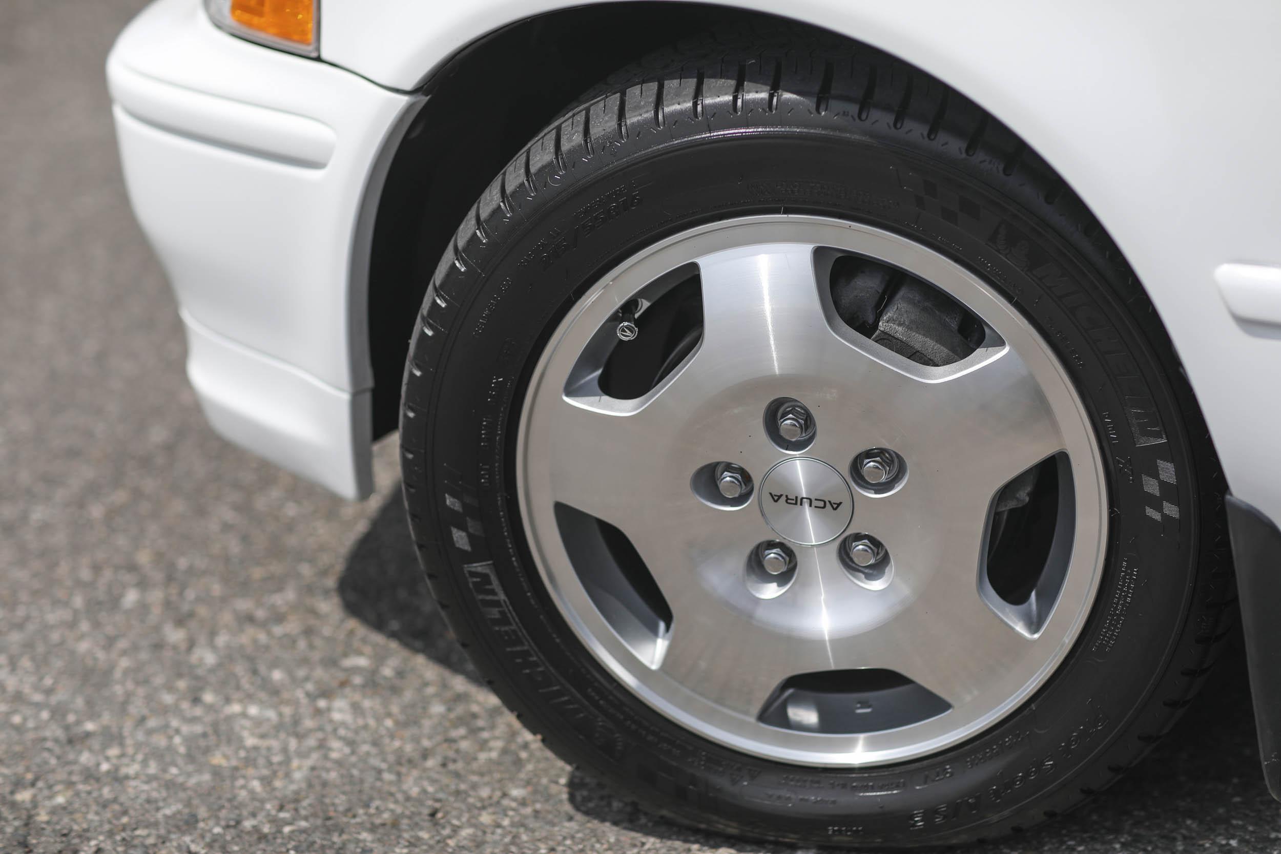 1994 Acura Legend Coupe LS wheel