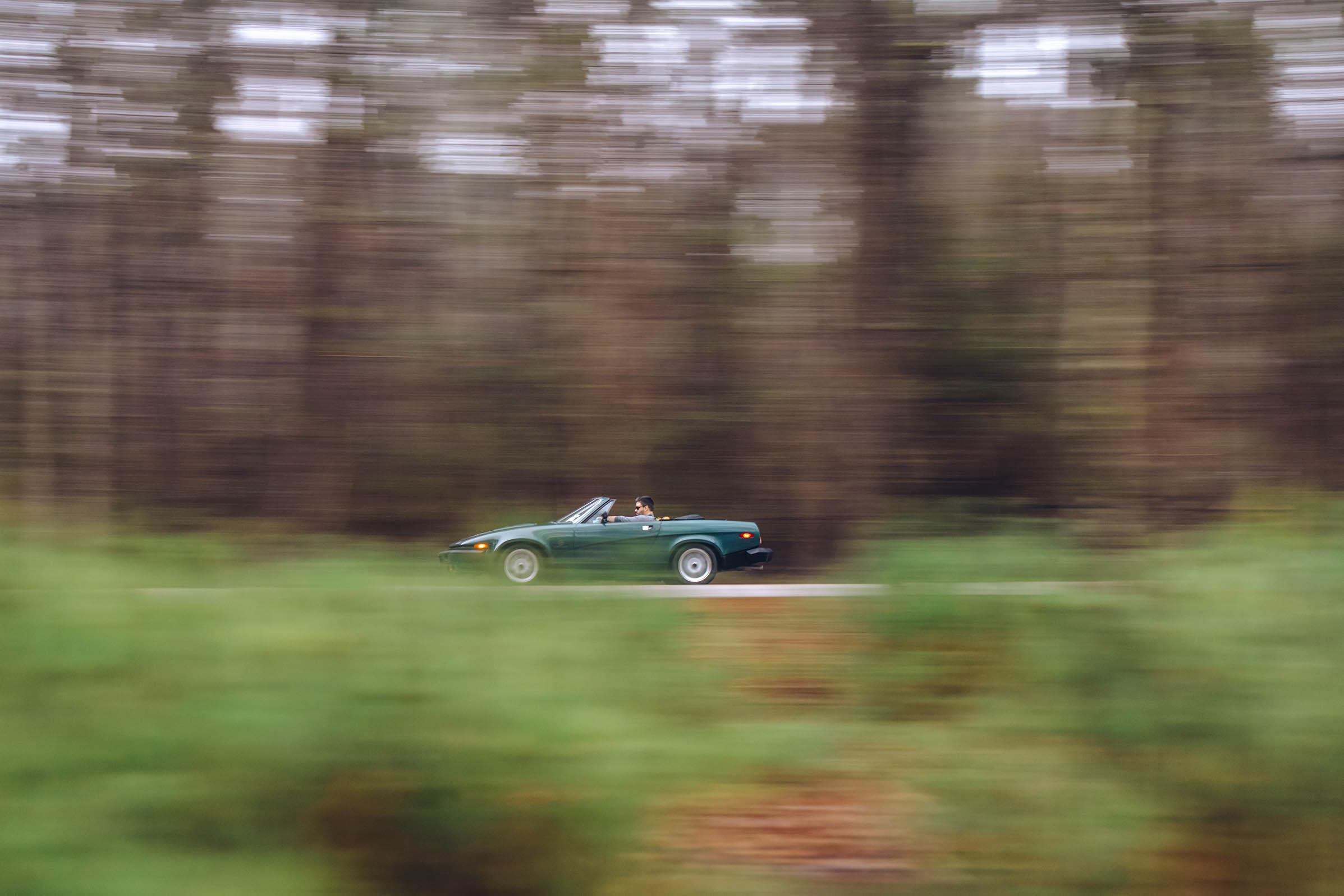 1980 Triumph TR8 driving