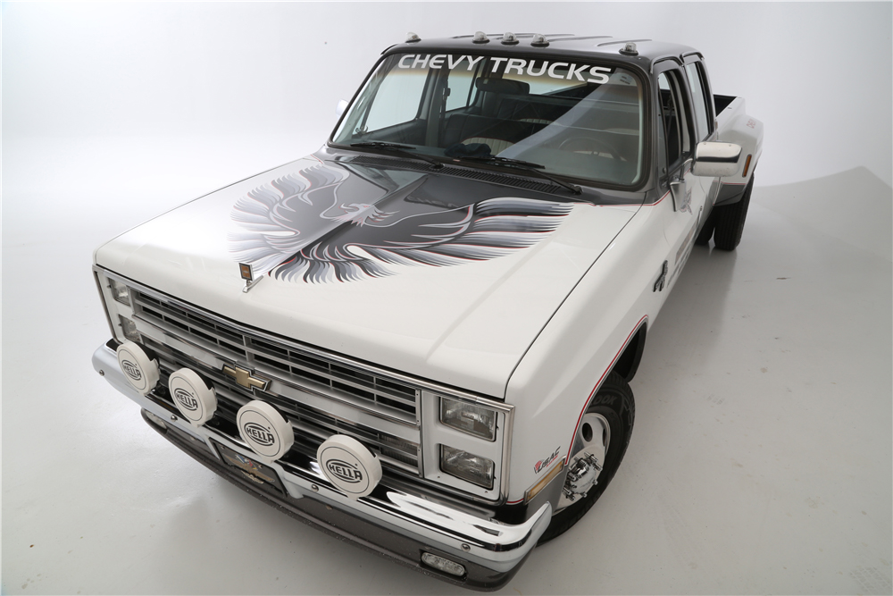 """1987 Chevrolet R30 Pickup """"Cannonball Run"""" Re-creation firebird hood"""