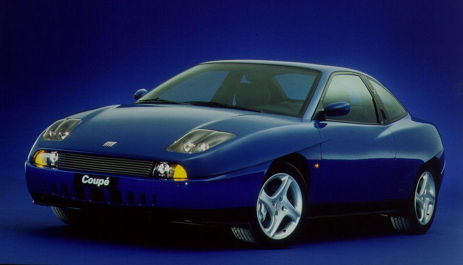 Fiat Coupe blue 3/4 front
