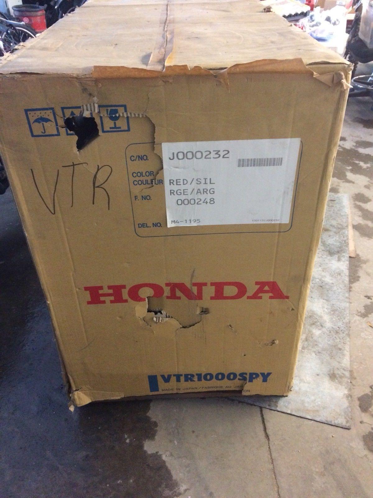 2000 Honda RC51 new in box