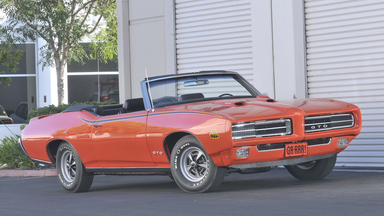 1969 Pontiac GTO Judge convertible orange 3/4 front