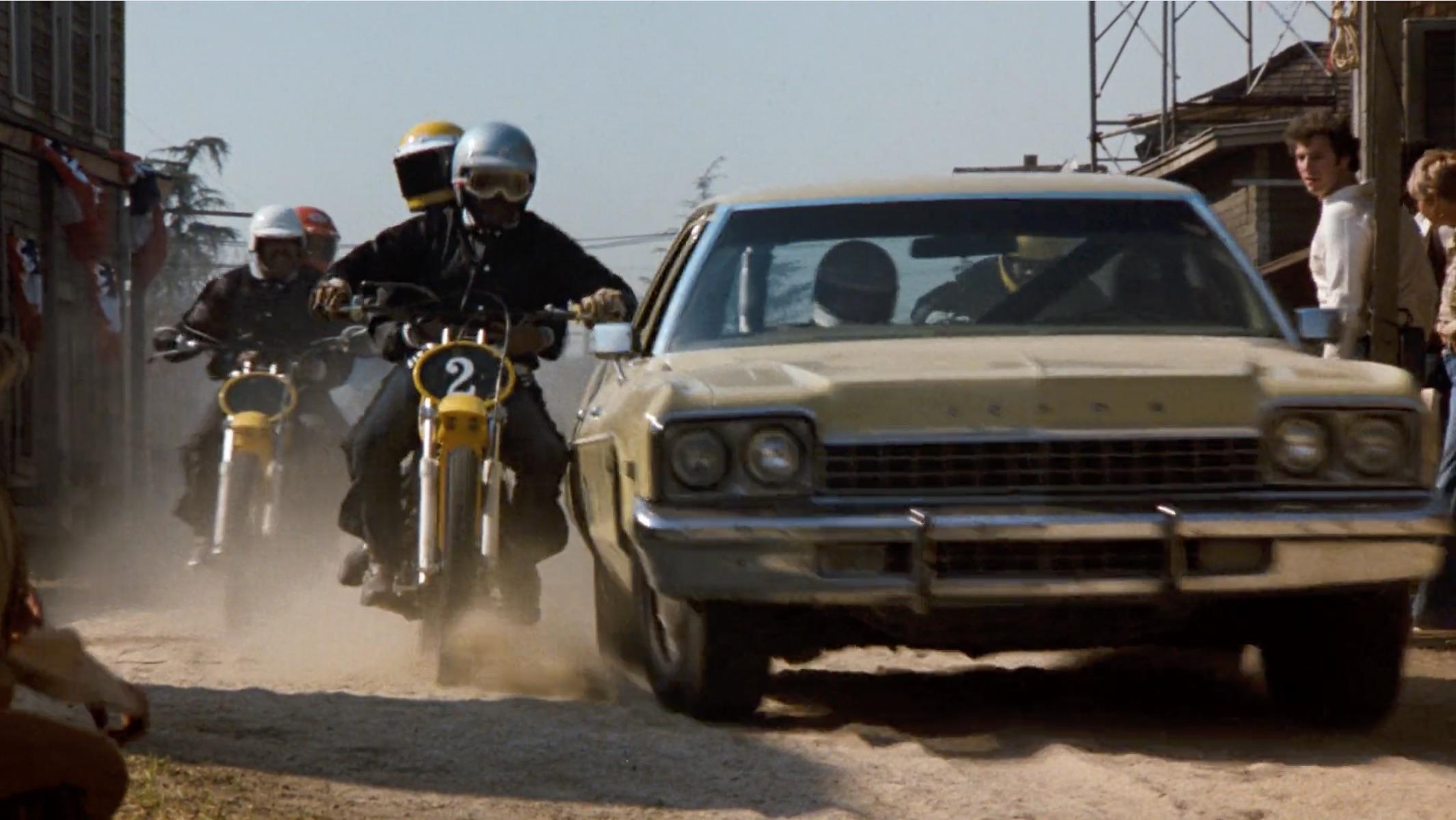 Burt Reynolds Hooper dirt bike chase