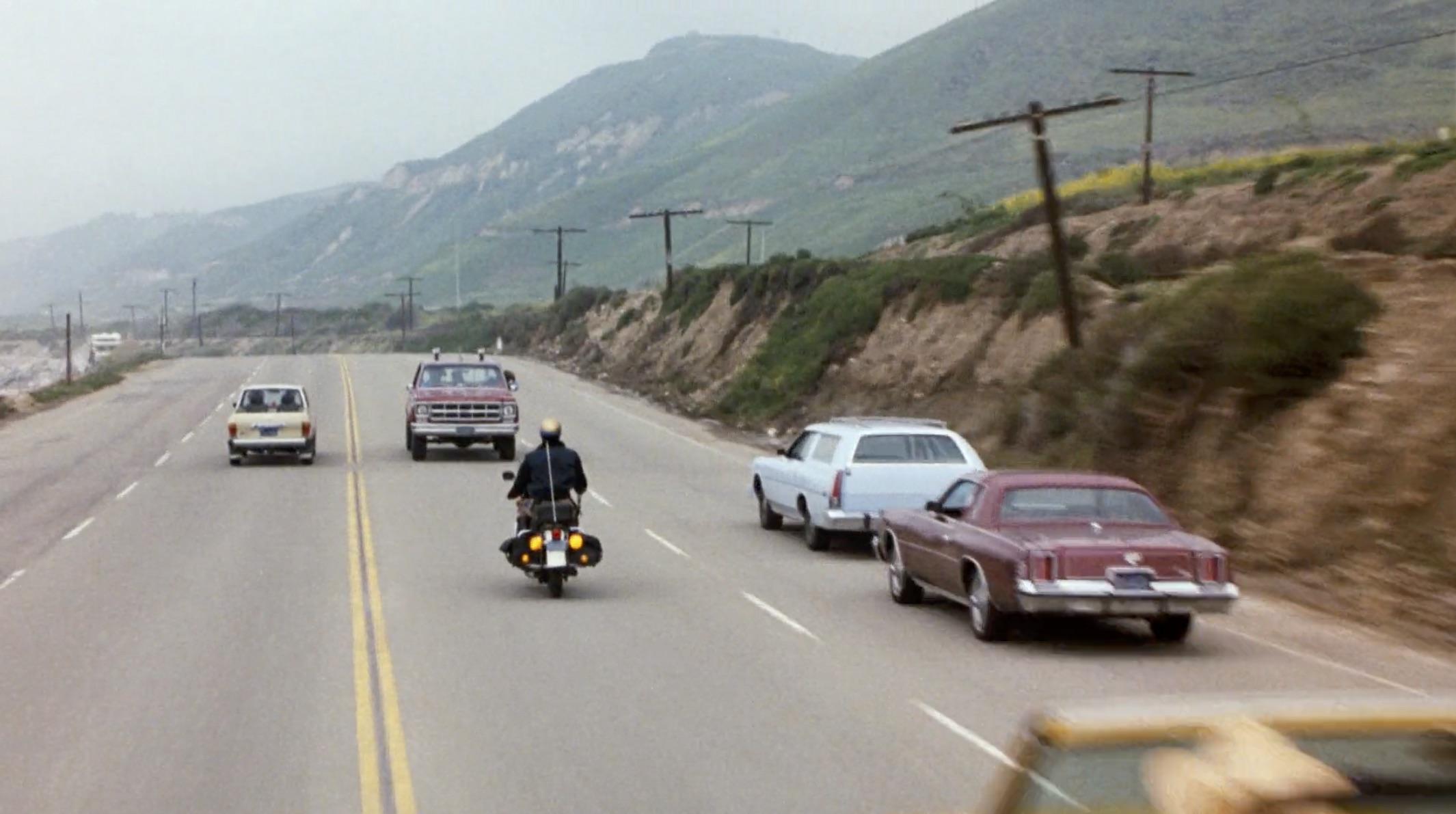 Burt Reynolds Hooper backwards truck chase