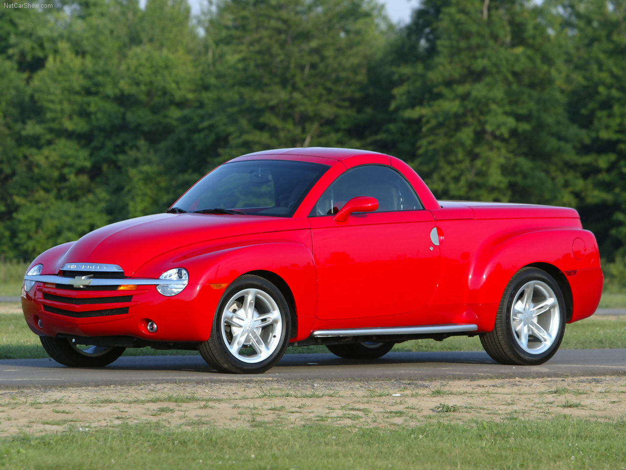 Unloved By The Masses The Retro Sport Truck Chevrolet Ssr Is A