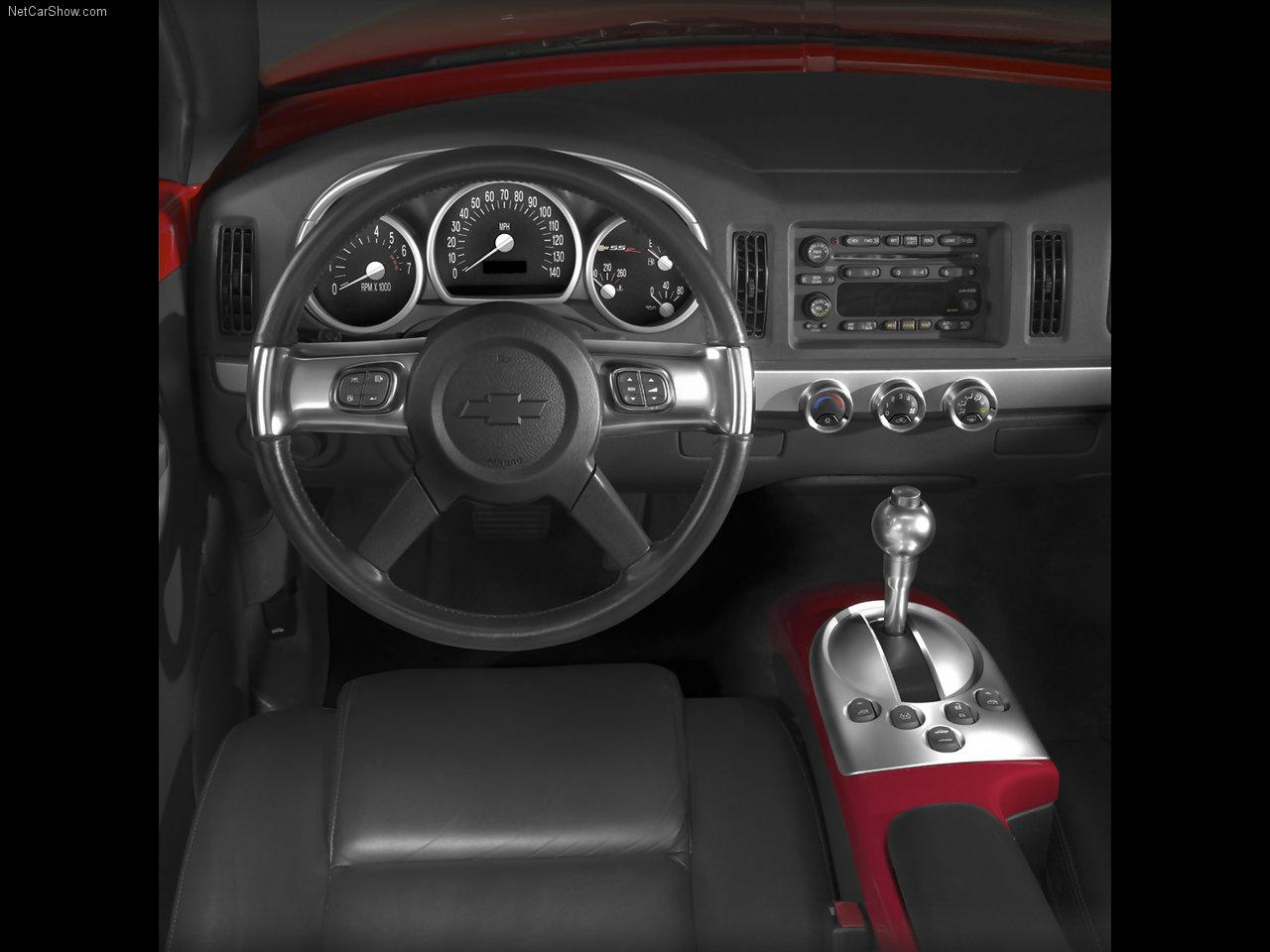 2003 Chevrolet SSR interior