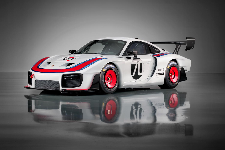 Porsche revives the legendary 935 thumbnail