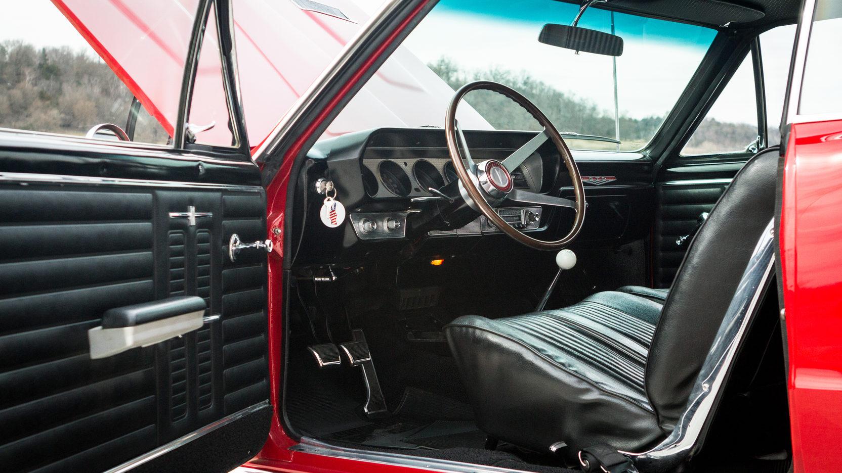 1964 Pontiac LeMans GTO interior