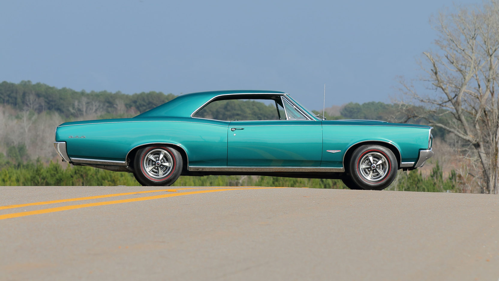 1966 Pontiac GTO side