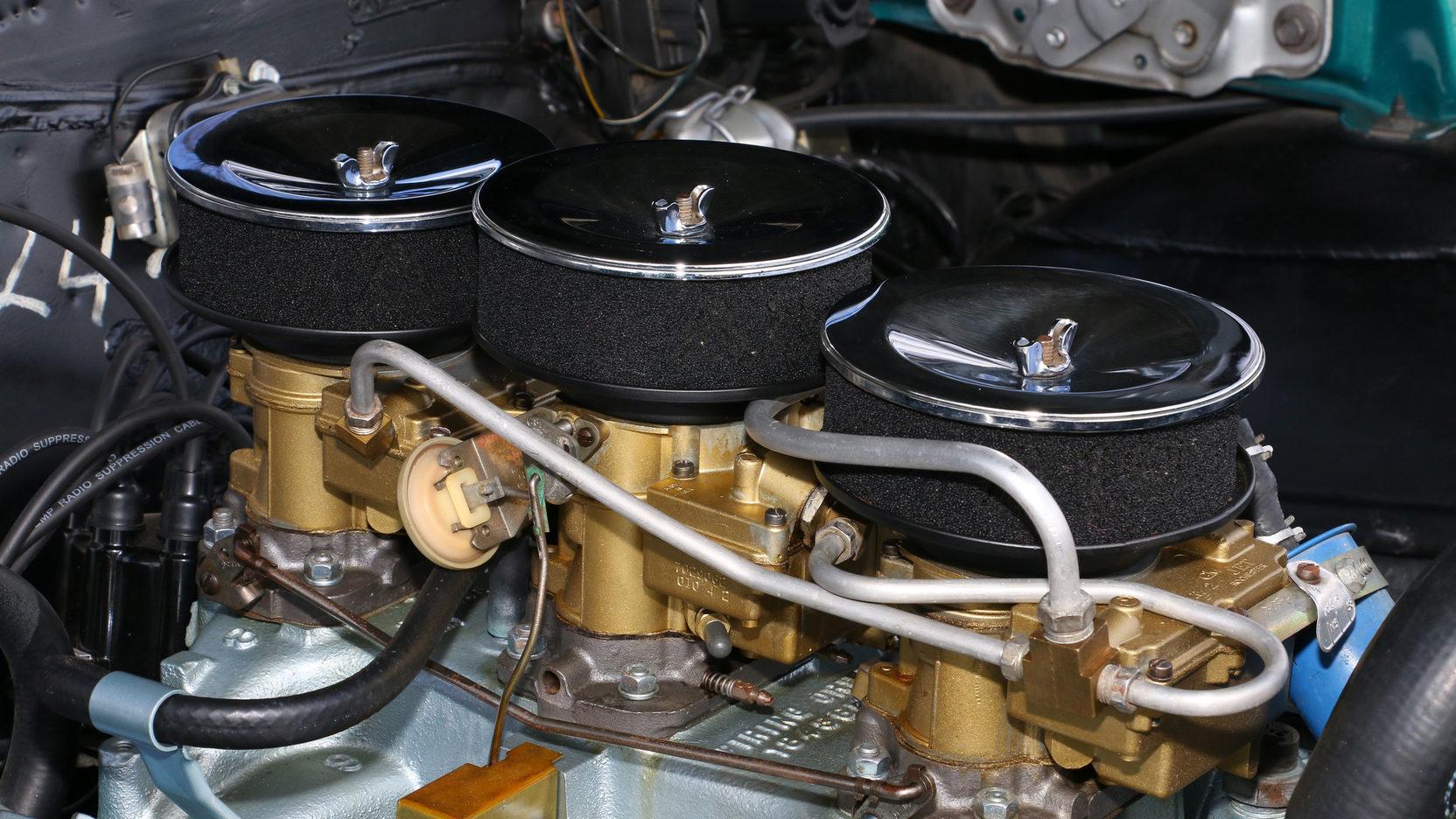 1966 Pontiac GTO tripower carbs