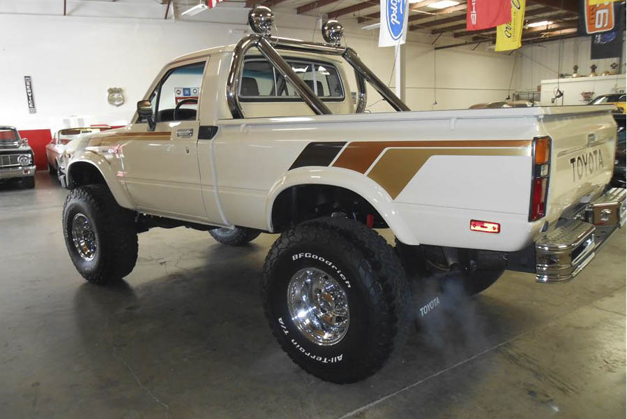 1983 Toyota SR5 4X4 Pickup rear 3/4