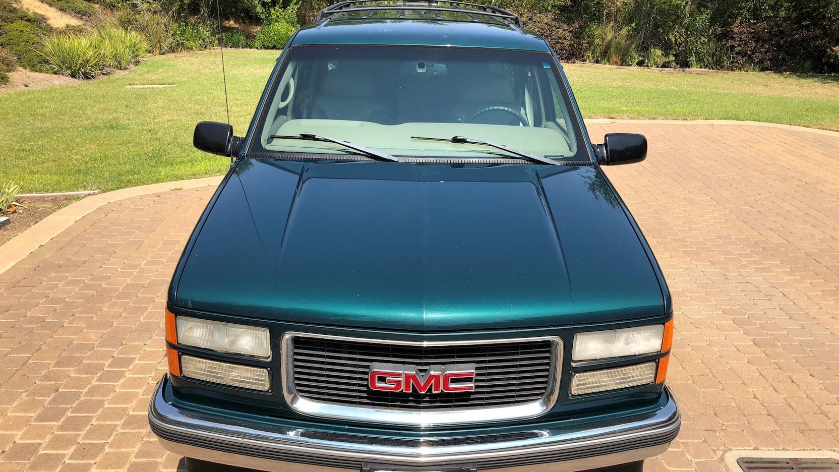 1998 GMC Suburban SLT hood