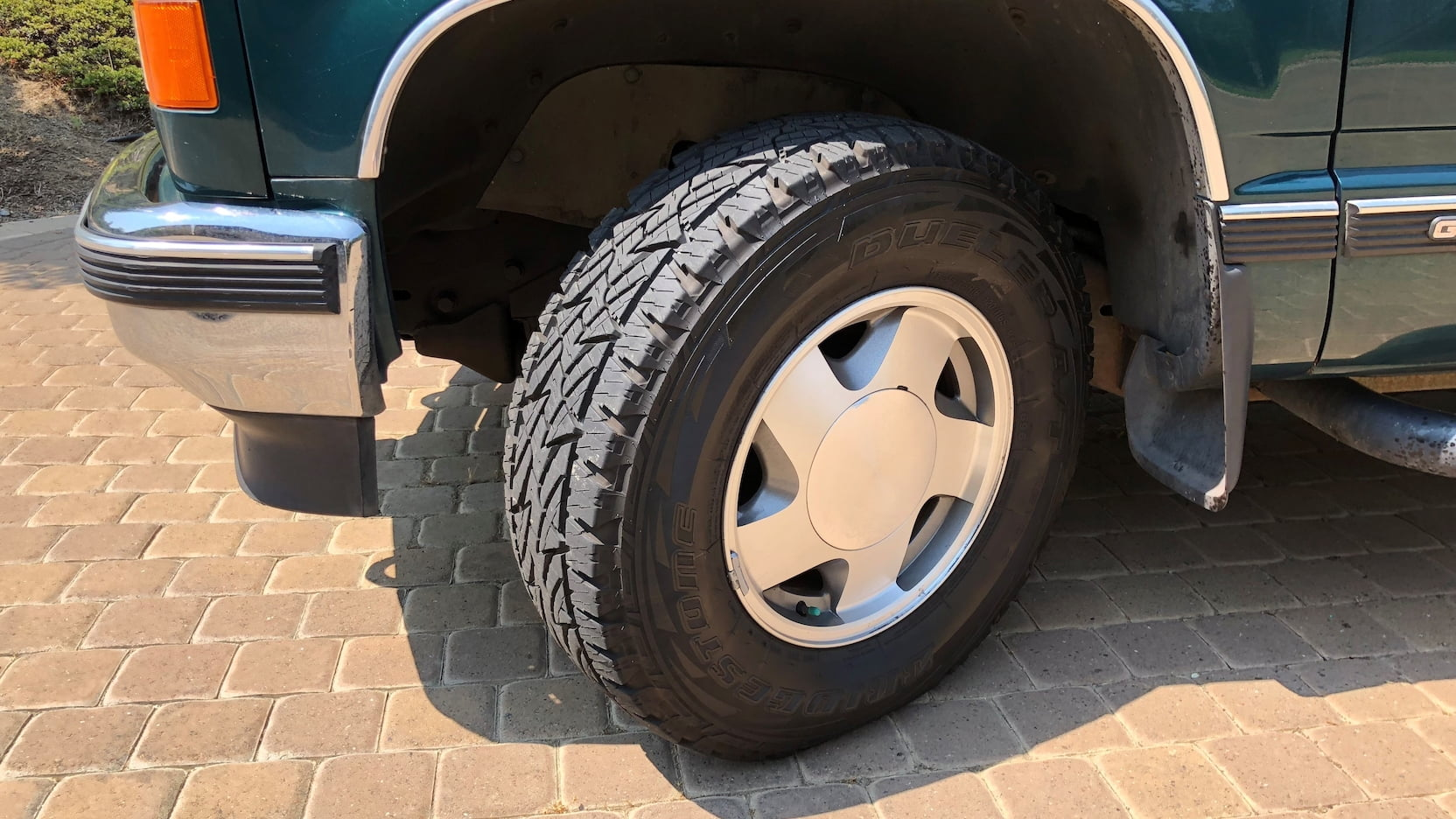 1998 GMC Suburban SLT wheels tires