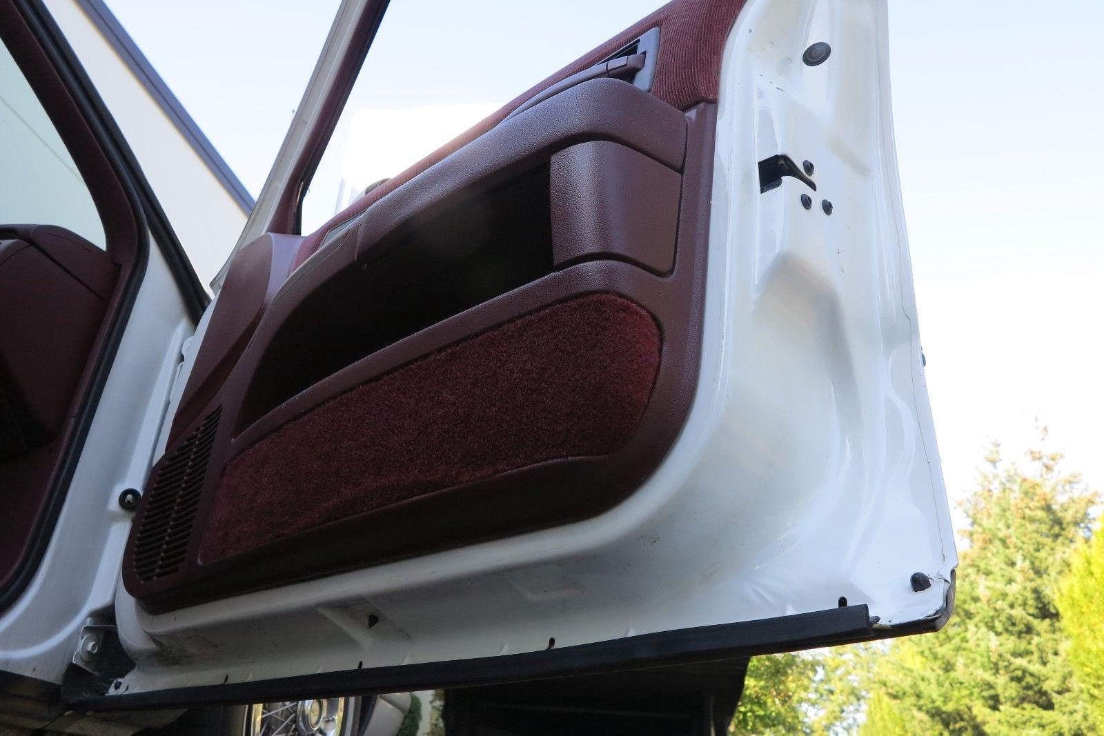 1991 Chevrolet Caprice Classic Wagon underside door