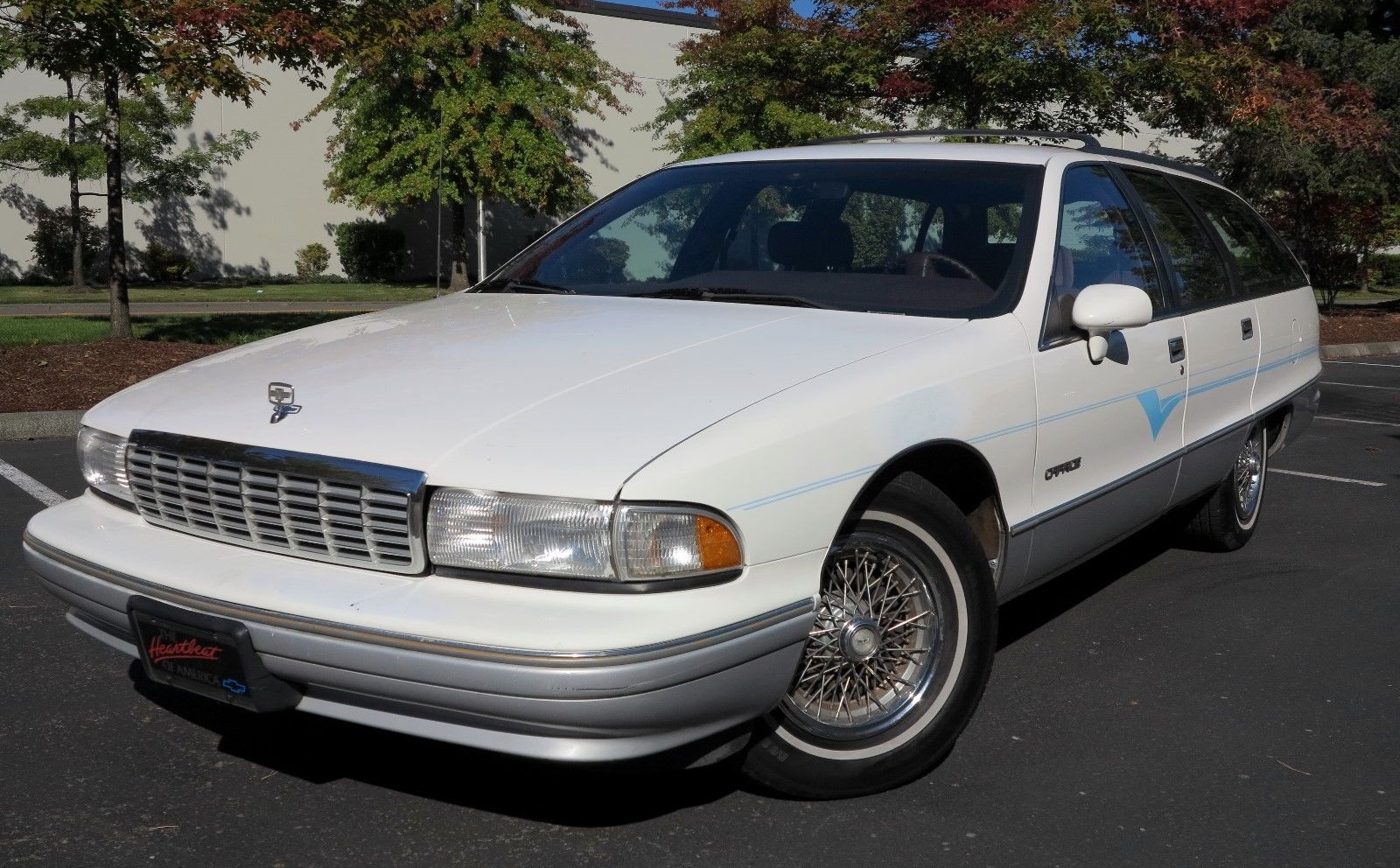 1991 Chevrolet Caprice Classic Wagon low 3/4 front