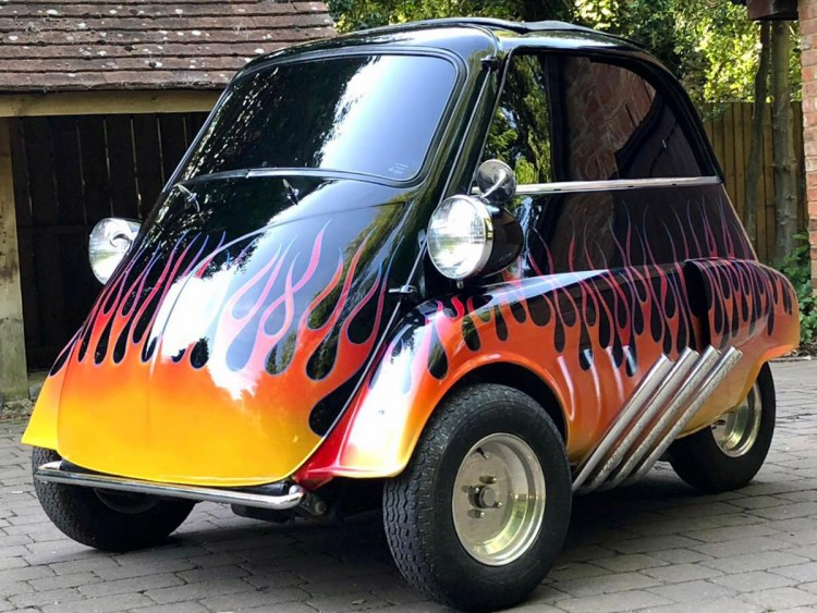 1958 BMW Isetta 300 front 3/4 flame paint zoomies rat rod drag race hot rod