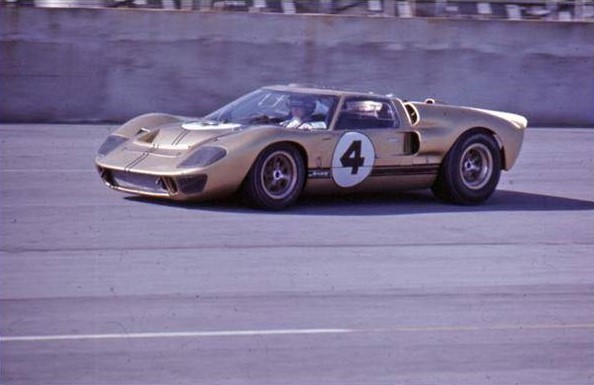 Mercury GT40 #4 in action at the 24 Hours of Daytona in 1967