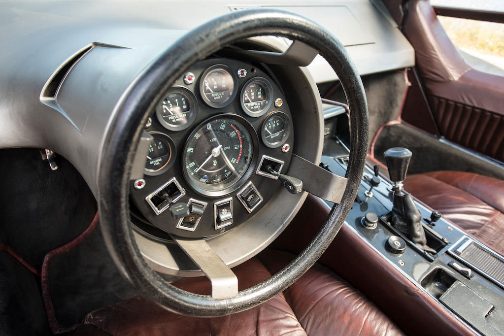 1972 Maserati Boomerang coupé steering wheel and gauges