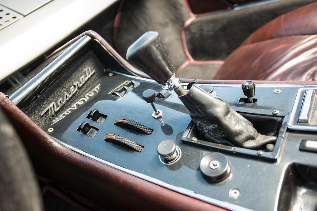 1972 Maserati Boomerang coupé center console