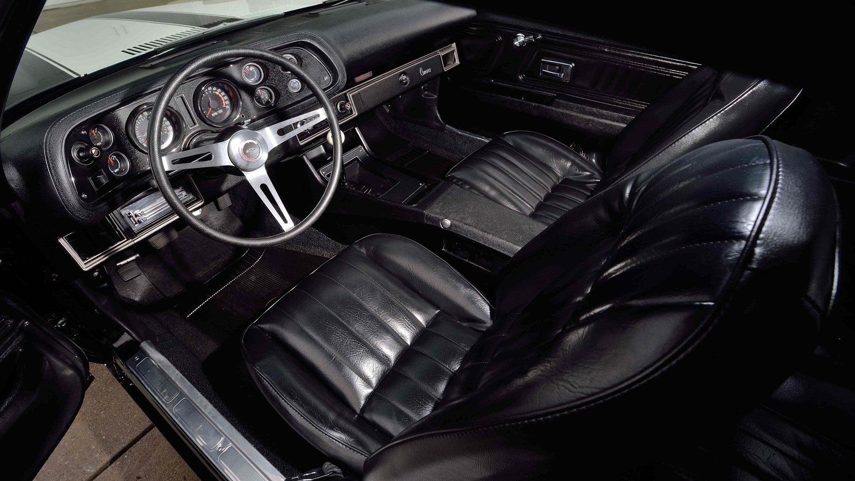 1972 Chevrolet Camaro Z28 interior
