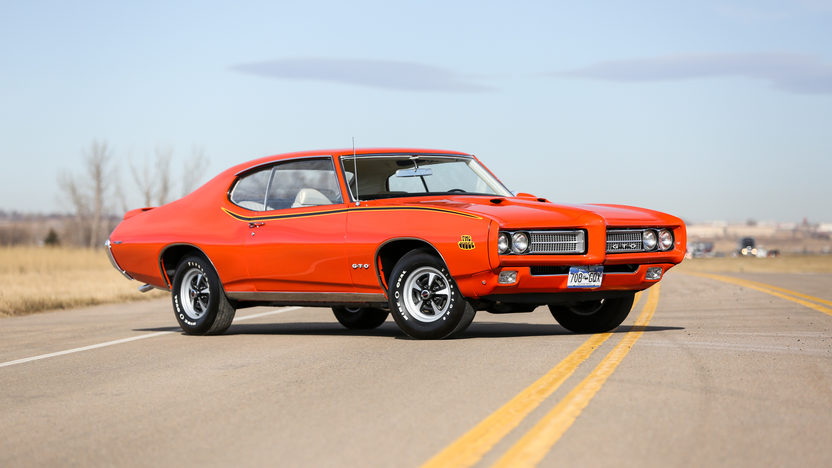 1969 Pontiac GTO Judge Orange 3/4 front
