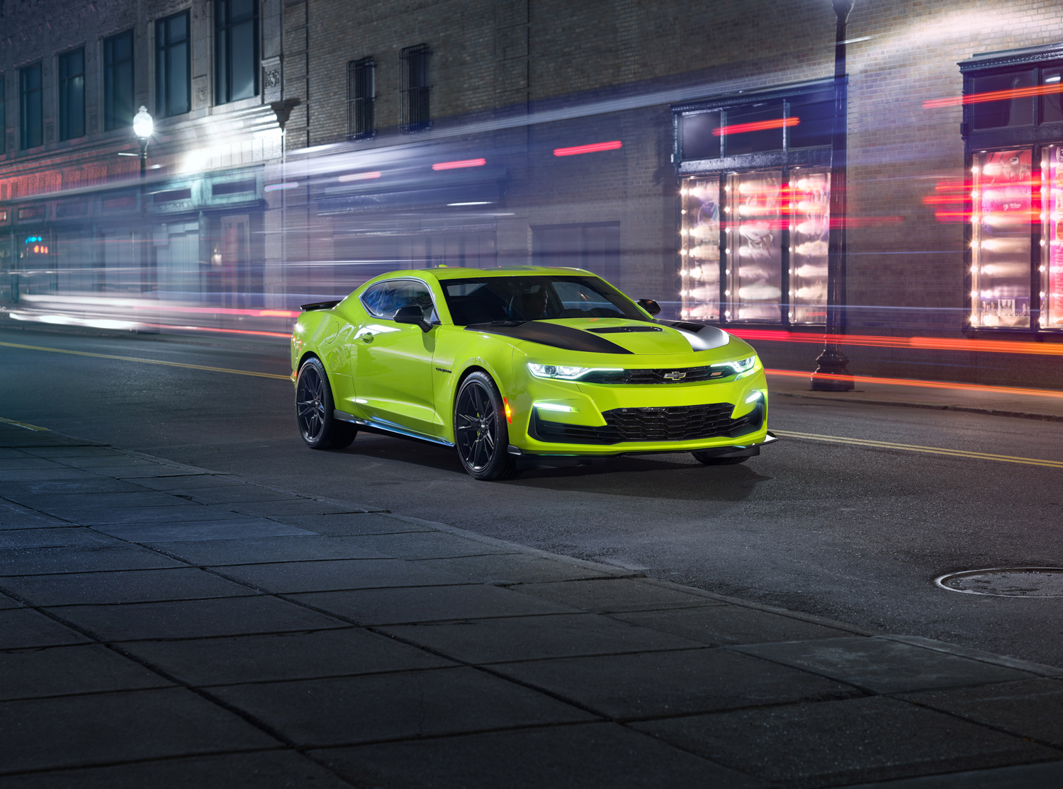 2019 Chevrolet Camaro night 3/4