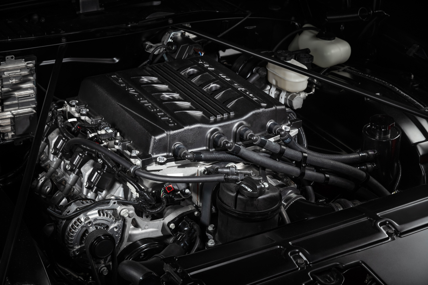 GM Performance LT5 crate engine