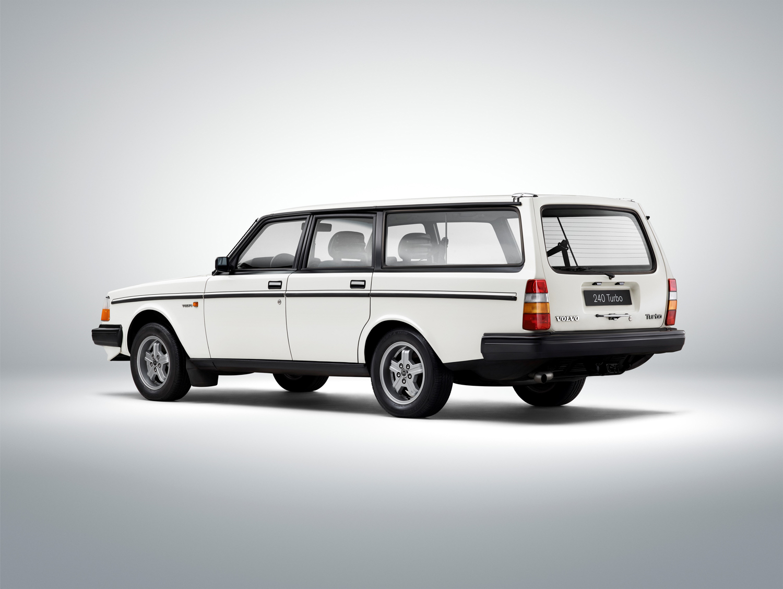 Volvo 245 Turbo white 3/4 rear