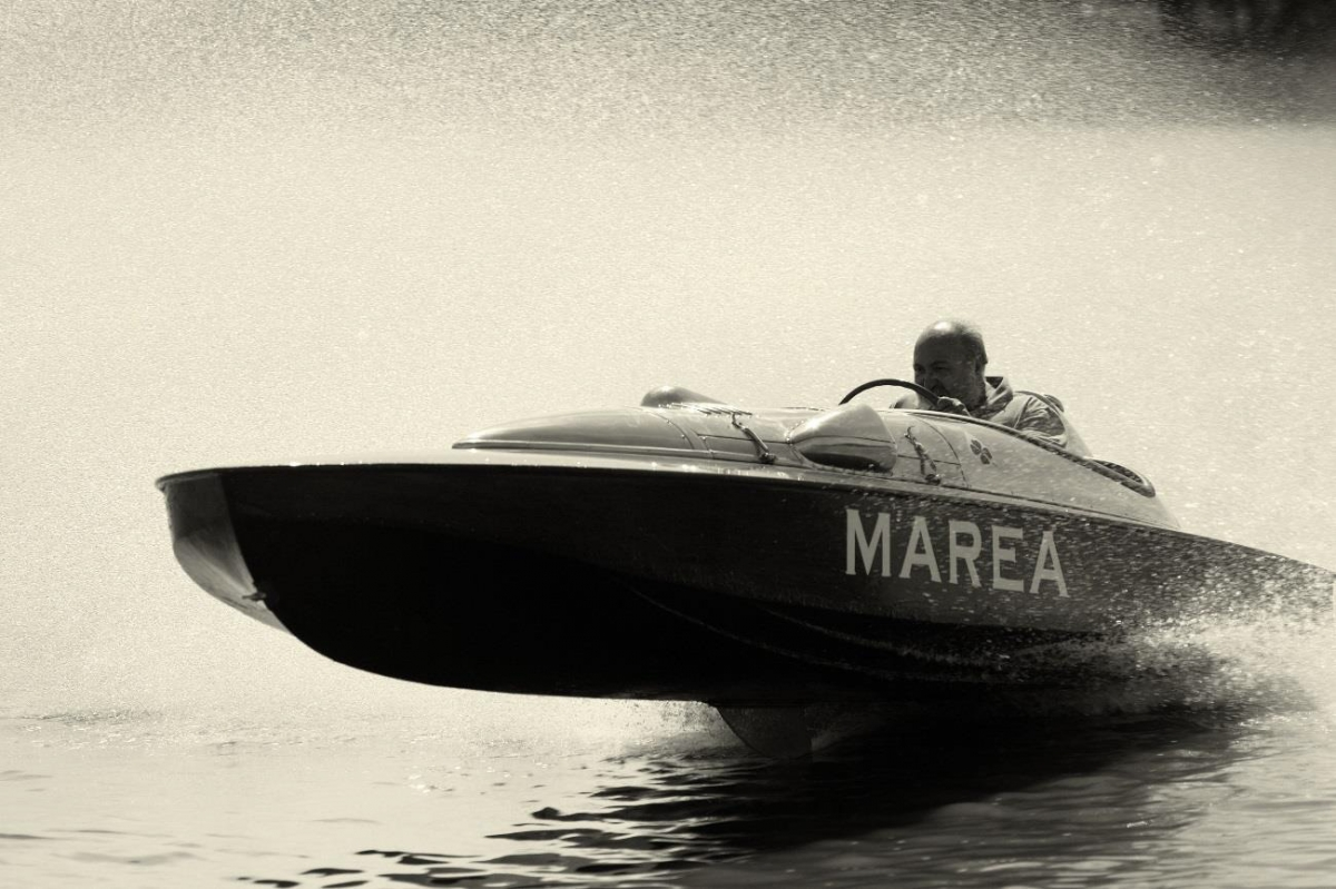 1949 Alfa Romeo powered hydroplane Marea front 3/4 view